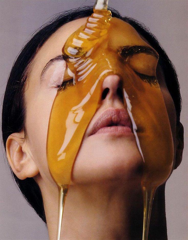 Top 10 Cleopatra Beauty Secrets   Honey Face Mask