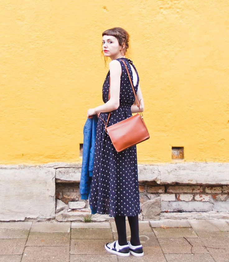 Kitty denim dot.  New blogpost on my site. Link in profile.  Wearing a @mintandberry @sandqvistbags @agencyvberlin @pepaloves #ootd