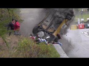 Terrorífico el accidente que sufre este coche de rally al lado de un grupo de espectadores - http://dominiomundial.com/terrorifico-el-accidente-que-sufre-este-coche-de-rally-al-lado-de-un-grupo-de-espectadores/?utm_source=PN&utm_medium=Pinterest+dominiomundial&utm_campaign=SNAP%2BTerror%C3%ADfico+el+accidente+que+sufre+este+coche+de+rally+al+lado+de+un+grupo+de+espectadores