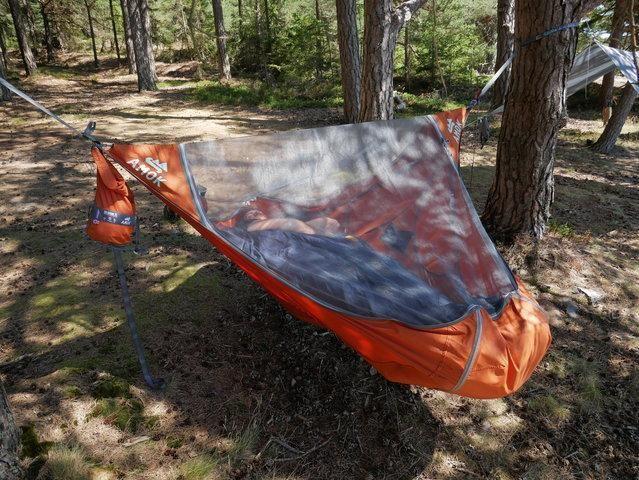 Amok Hammock Lets You Actually Lay Flat Lay Flat Camping Hammock Camping Sleeping Pad Backpacking Hammock Hammock Camping