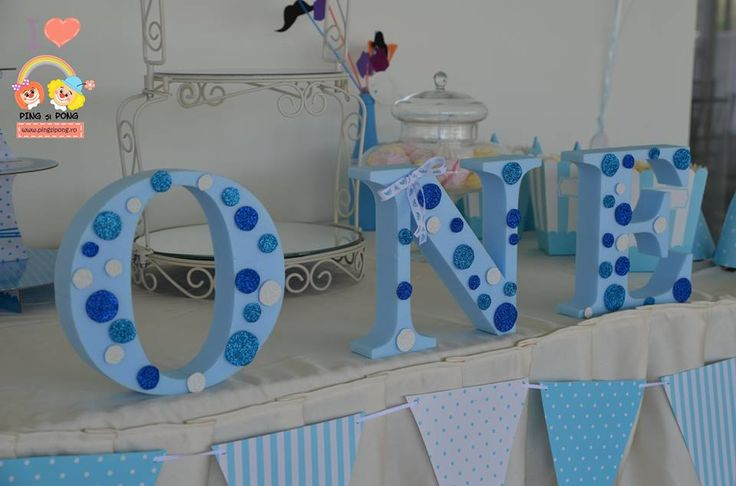 candy-bar-albastru-polka-dots-1-an