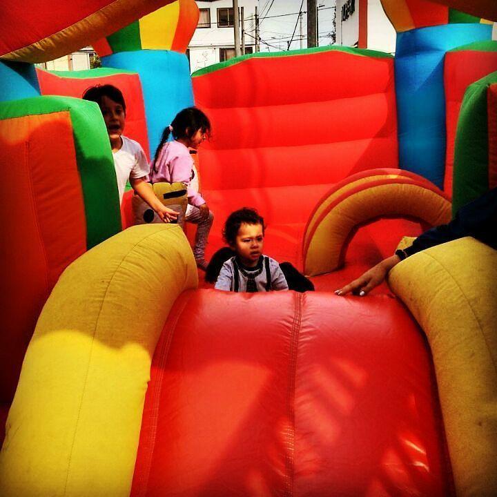 Tenemos  los mejores  saltarines e inflables para que célebres  tu fiesta infantil  llámanos 3204948120  #fiestasinfantiles #saltarines #inflables #Payasos #decoración