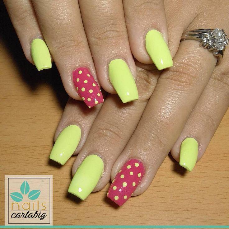 #amarillo #neon #fucsia #puntos #lunares #uñas #ballerina #uñasdeldia #uñasdecoradas #laguaira #nailart #maiquetía #fashion #love #likeforlike