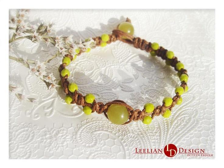 Serpentine bracelet with beads.  Gyöngyös szerpentin karkötő.
