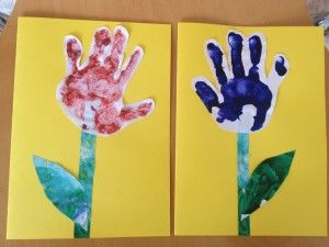 Hand prints made into tulips / flowers for Mothers Day / Spring cards.  Super easy pre-schooler activity