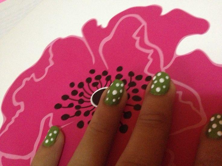 Este diseño de uñas ... Me encanta!!