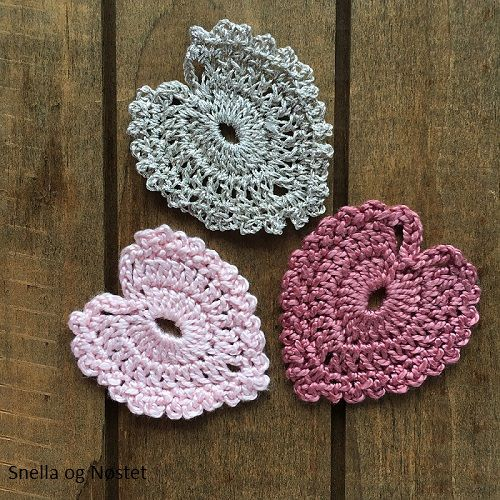 Romantic crochet hearts by Amal Shebl (free diagramme)