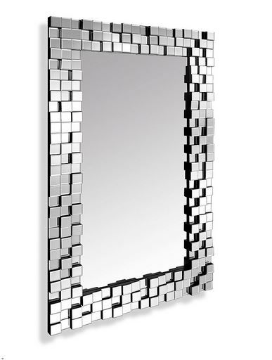 UWAGA! Nie wysyłamy luster za pobraniemPrzy przedpłacie WYSYŁKA BEZPŁATNA!!!Victoria to niezwykłe lustro zamknięte w efektownie połyskującej geometrycznej ramie, przpominającej trójwymiarową mozaikę. Lustro kryształowe, wykonane w całości ręcznie, rama lustrzana kryształowa, krawędzie fazowane.  Możliwość wieszania w pionie lub poziomie.  Właściwości    Rodzaj ramy: Efekt 3D   Rozmiar:    Szerokość: 90   Wysokość: 150   Głębokość: 5,5       Lustra firmowane marką Arttpio są w całości wyko...