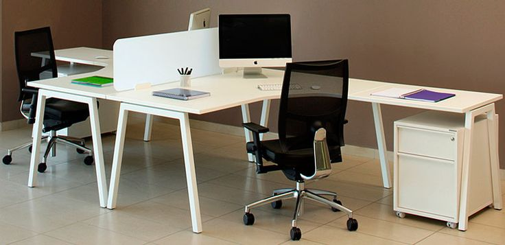 Aster en L -- Características: La línea Aster ha sido diseñada para crear espacios pensados para el trabajo en equipo, sin olvidar las prioridades de cada puesto individual. Infórmate más sobre este mueble dándole clic a la imagen.