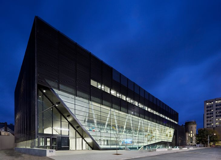 University of Toronto Goldring Centre for High Performance Sport. Con MacLennan Jaunkalns Miller Architects.