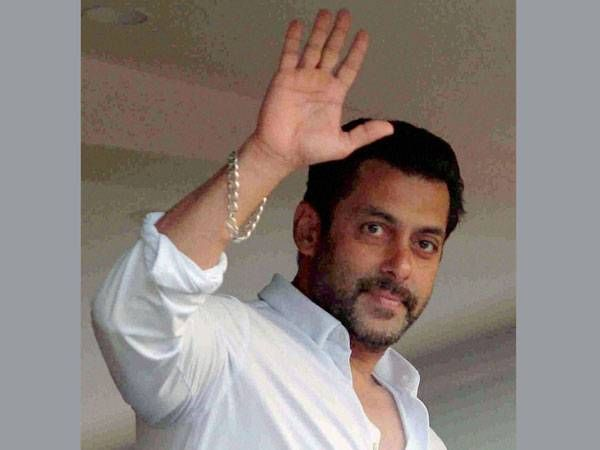Salman Khan's effigy burnt for opposing Pak artistes ban
