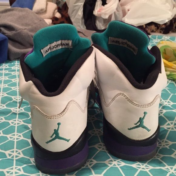DO NOT BUY Jordan Retro 5's Grapes (whites)  Not Sellong DO NOT PURCHASE !!!! Jordan Shoes Sneakers