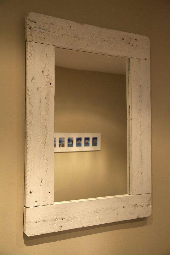 Marco de espejo realizado con palets