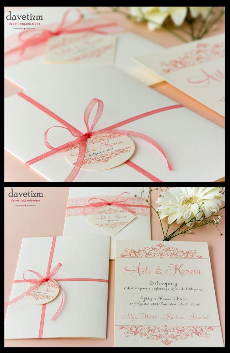 Zarif motifler ile romantik yazı karakterinin buluştuğu bu davetiye klasik tarzdan vazgeçmeyen çiftlerin tercihi. #davetizm #davetiye #wedding #invitation
