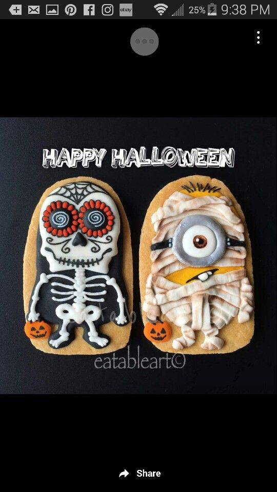 Minion Halloween costume cookies