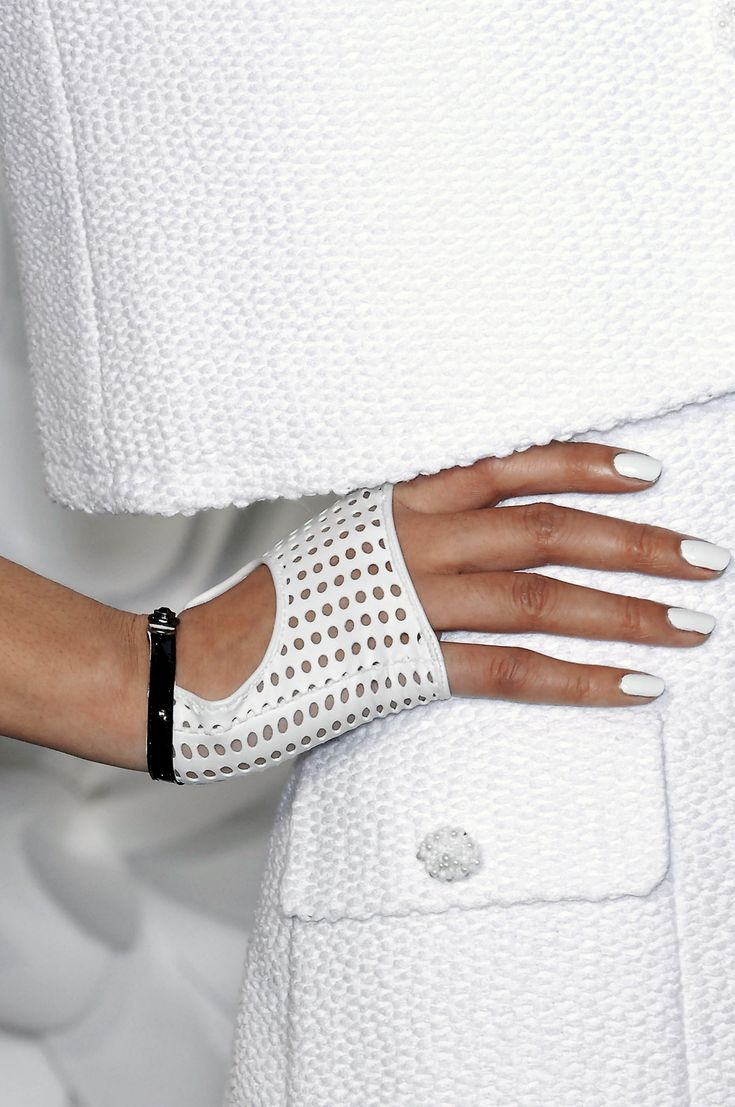 chanel gloves spring 2009
