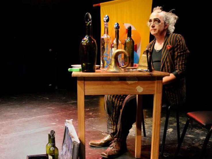 """Dois dos mais importantes nomes do circo argentino, Chavovachi e Tomate, chegam ao Sesc Pompeia para apresentar o espetáculo de clowns """"Jogo dos Maus""""."""