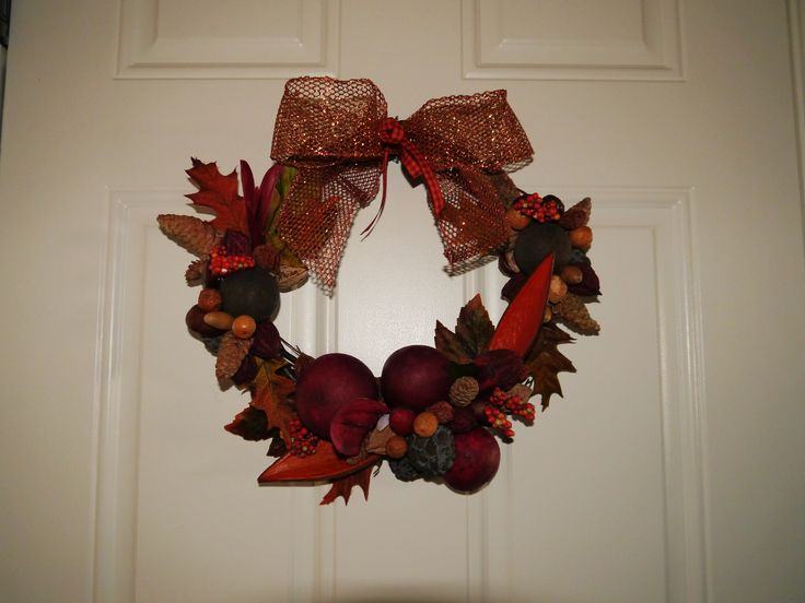 Don't throw away old potpourri!!! I was able to recycle it by making a wreath for fall, it turn out beautifully.