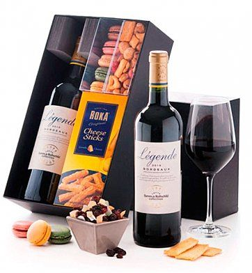 Macarons and Red Wine: Wine Baskets - Macarons and a bottle