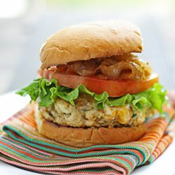 Fire roasted chile & garlic chicken burgers. Plus how to make a killer chicken burger. #foodgawker: Burgers Bar, Turkey Burgers, Garlic Chicken, Roasted Chile, Chicken Thighs, Spicy Chicken, Chicken Burgers, Fire Roasted, Food Recipe