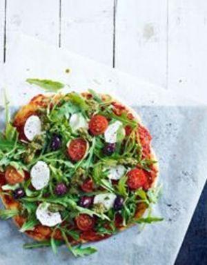 Pizza med mozzarella og pesto | www.greteroede.no | Oppskrifter | www.greteroede.no