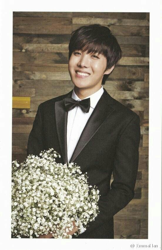 J-Hope ♡ Hoseok as best man at the wedding :P