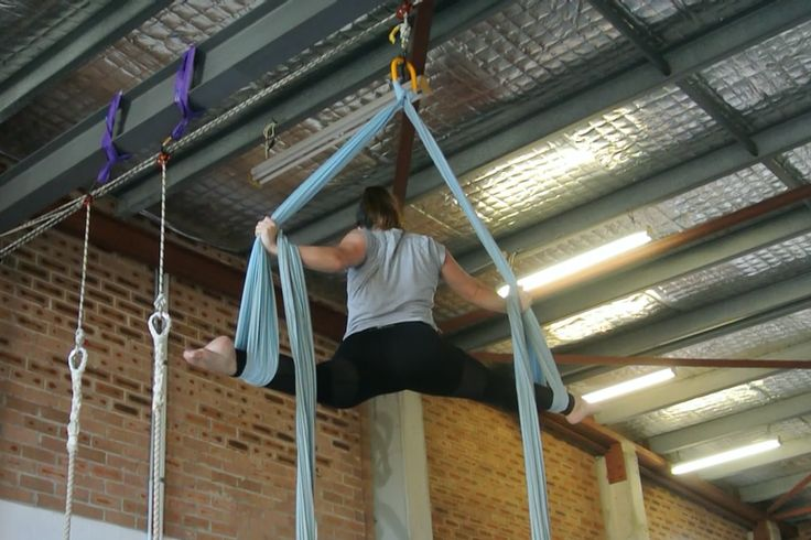 Awesome tricks from Nicole on the aerial silks