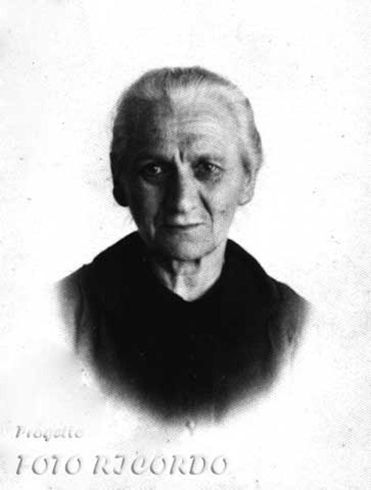 ritratto di anziana signora anni'50