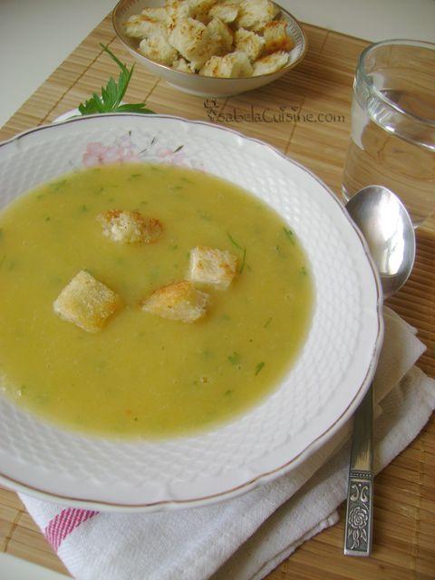 Va invit pe toti la o portie de supa-crema de legume cu multe crutoane pe deasupra :P. Va zic, e delicioasa! Reteta am vazut-o la Teo pe blog, dar eu am adaptat-o cu ce aveam prin frigider. Mersi Teo pentru idee! Pentru 4 persoane :: Rapida :: Preparare 15 minute :: Fierbere 20-30 minute Ingrediente:…
