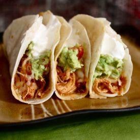 Crockpot Chicken Tacos #crockpot #chickentacos