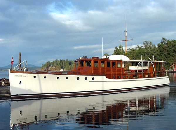 Best 25 classic yachts for sale ideas on pinterest for Luxury motor yachts for sale