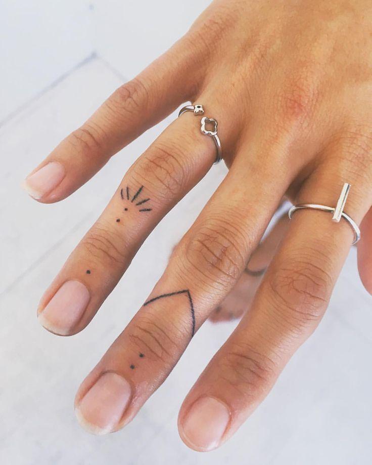 Lieben Sie diese kleinen Fingerverzierungen! Ab dem anderen Tag. . . . . . . . . . #Kunst