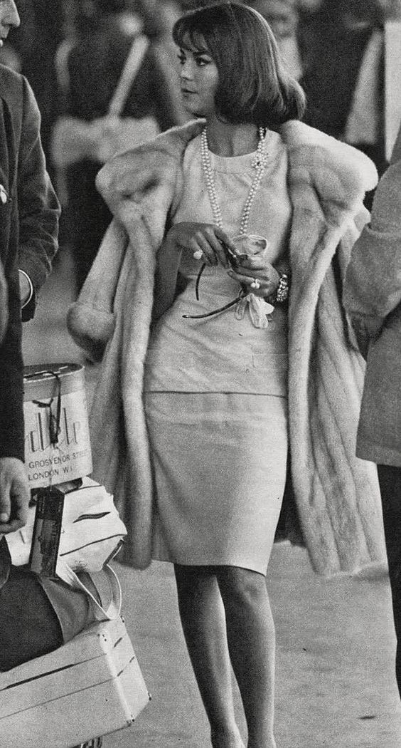 NATALIE WOOD (1964) When's the last time you saw a fur coat?