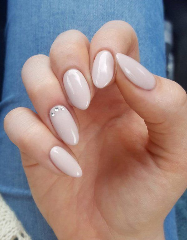 Almond Round Nails With A Berry Polish Round Nails Magenta Nails Rounded Acrylic Nails