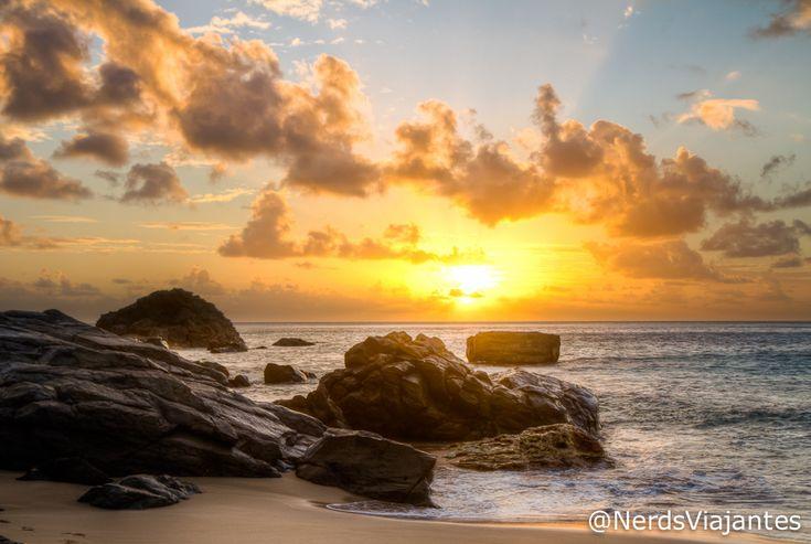 Praia da Conceição - Fernando de Noronha | Revelando a Foto - Pôr do sol na Praia da Conceição | Nerds Viajantes