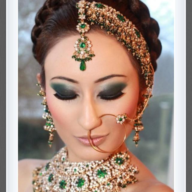 Unique Bridal Makeup : 74 best images about dupatta settings on Pinterest ...