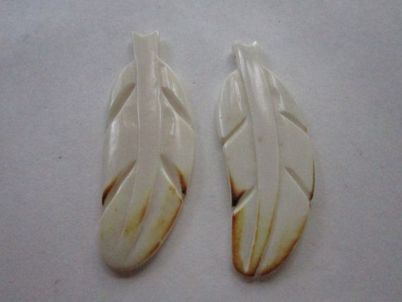 2 FEATHERS w/brown tip  Tribal  Pendants Bead Charms Carved Buffalo Bone BP37 Jewelry Craft Making