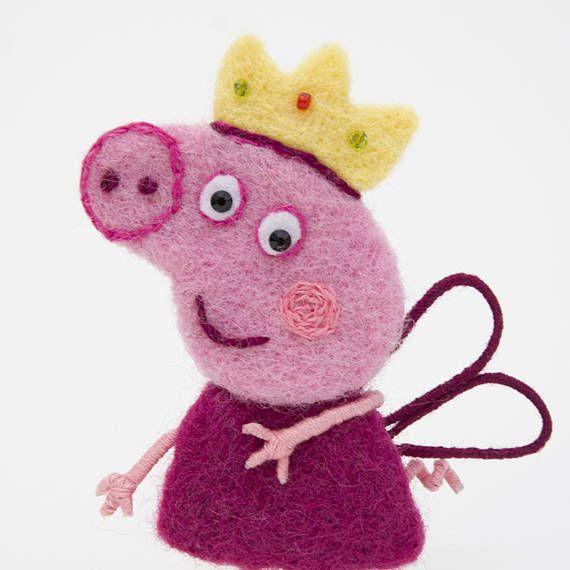 Pippa pig, felt brooch,Animals, jewelry, woolen brooch, gift, souvenir, gift for mumps lovers Pepps, pink, character,  Handmade felt Broche