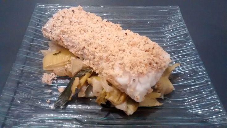 Crumble de cabillaud à la noisette et au parmesan et sa fondue de poireaux sucré salé