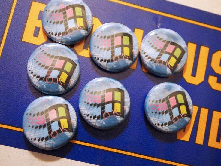 VAPORWAVE // Windows 95 Pin Net Art Internet Button Cyberpunk Aesthetic Badge by lessthanzero on Etsy https://www.etsy.com/listing/196918193/vaporwave-windows-95-pin-net-art