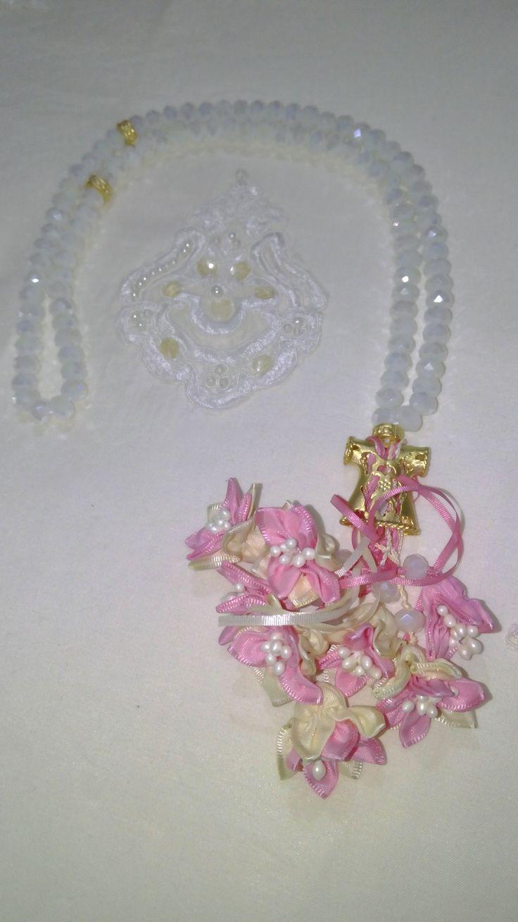 Beyaz Taş,Kaftan İmame ve Pembe renk çiçek kombini. #tesbih #tasarım #moda #kadın #namaz #aksesuar #hediyelik