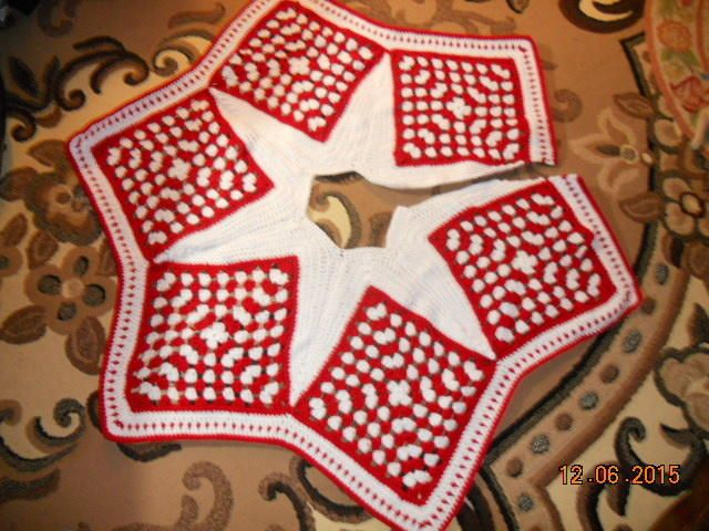 Granny tree skirt by Charlotte Huffman