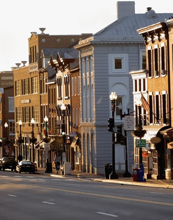 M Street is one of the main thoroughfares in Georgetown, home to the university—and much more.