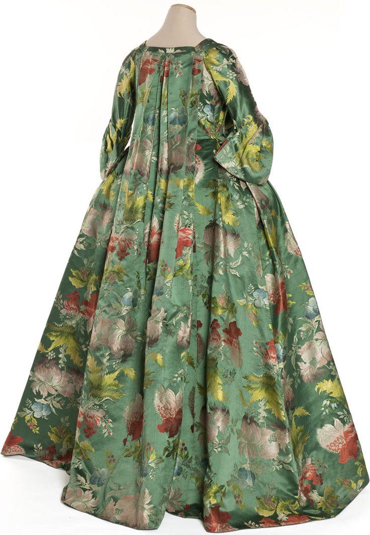 Robe volante, France, vers 1735  Lampas fond satin, liseré, latté   Coll. UFAC, achat, 1959   Iinv. 59-31-1