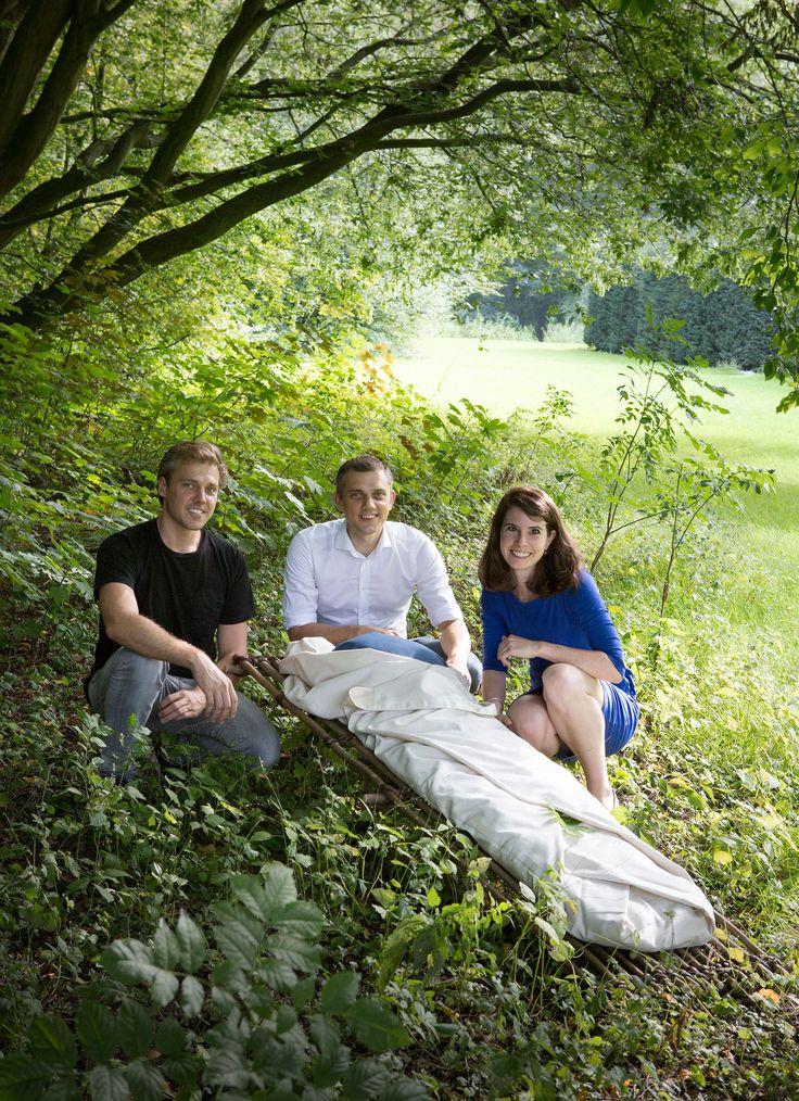 Wikkelgoed Uitvaarttextiel is in 2000 opgericht door Monique Rang. Na haar overlijden in 2015 hebben haar zoons en schoondochter het bedrijf overgenomen.