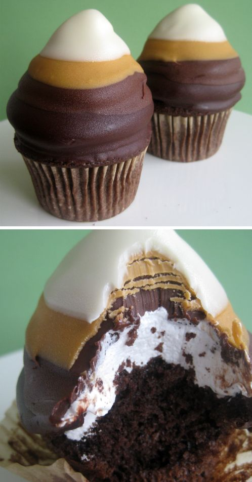 Chocolate Ombré Cupcakes Recipe ~ A Layer of Dark Chocolate, Milk Chocolate, Butterscotch, and White Chocolate. They're Delicious!!