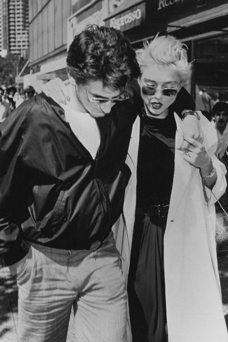 Sean Penn and Madonna in 1986 via Nuji.com
