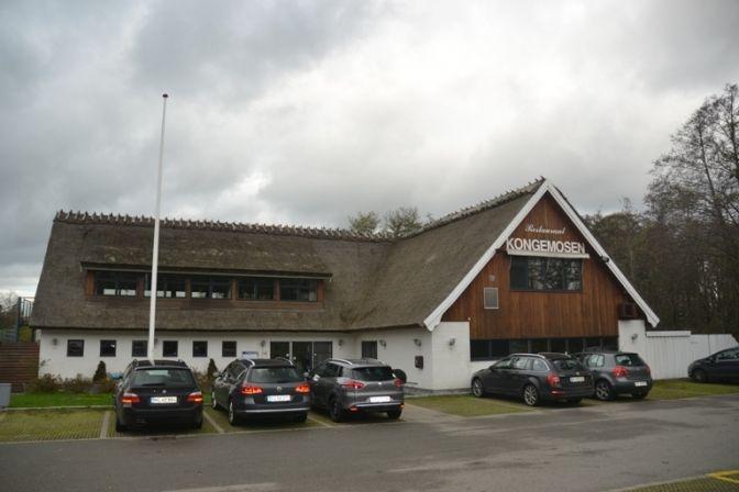 GOD KRO: Efter otte år har restaurant Kongemosen i Smørumfået fået et rigtig godt ry i lokalområdet. God mad og hygge lokker gæsterne til fra et udsædvanligt stort område.