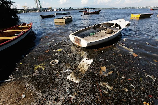 Heavily Polluted Guanabara Bay To Be Site For Water Sports At Rio Summer Olympics - Mario Tama/Getty Images