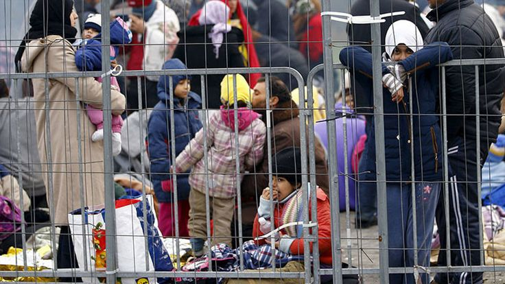 Assange explica qué causó la crisis de refugiados en Europa. 27/10/15